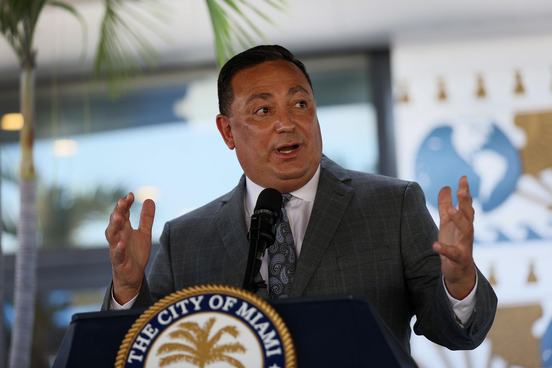 Miami City Commission votes unanimously to terminate Police Chief Acevedo