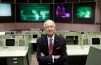 Chris Kraft, NASA's first flight director, dies at 95