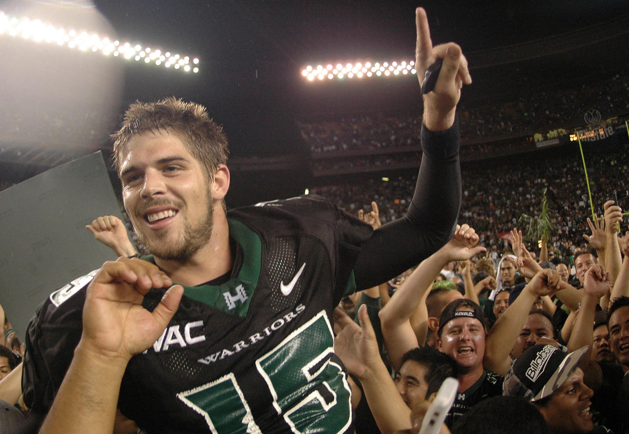 Colt Brennan, former star quarterback at the University of Hawaii, dies at 37