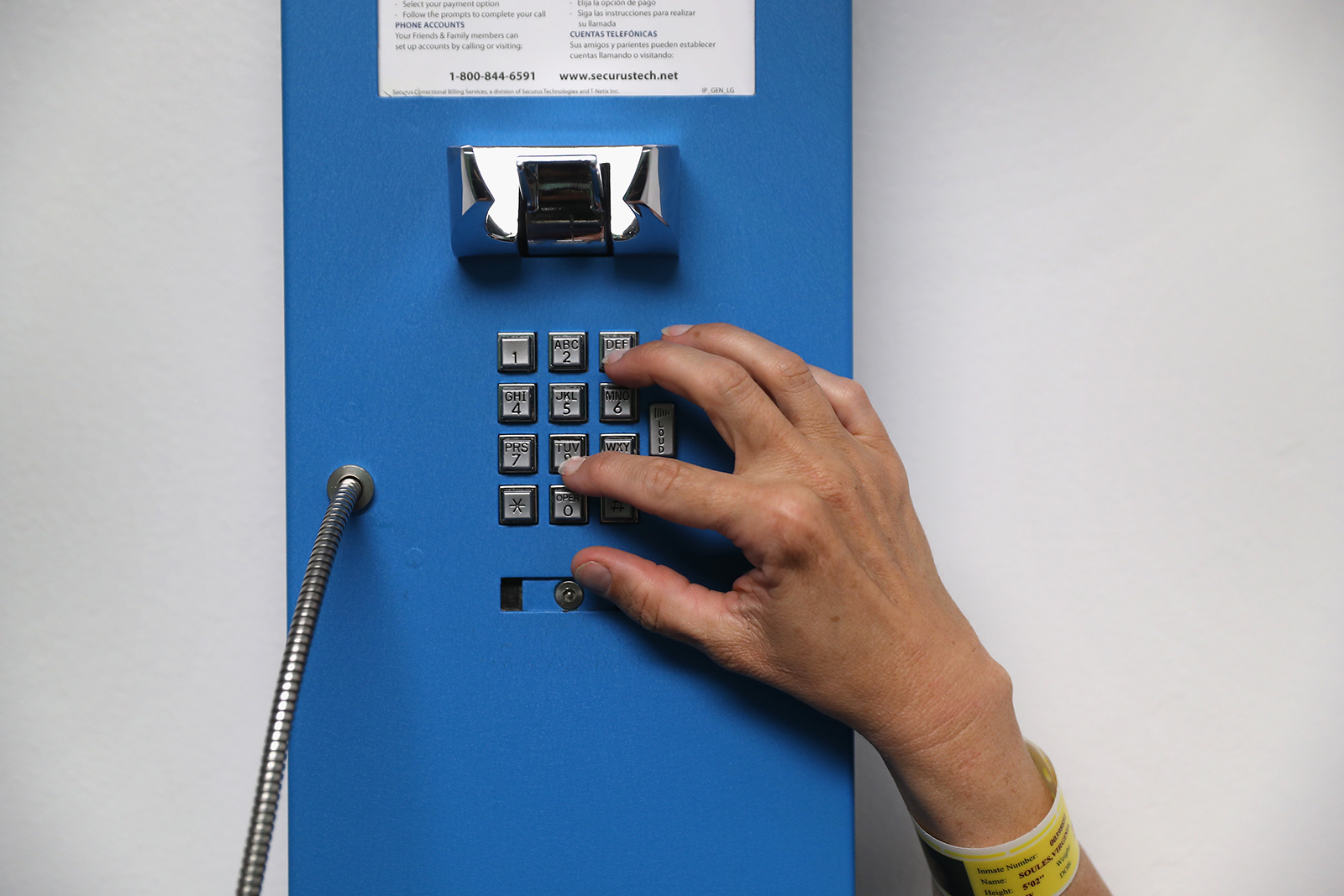 Connecticut become first state to make calls free for inmates and their families