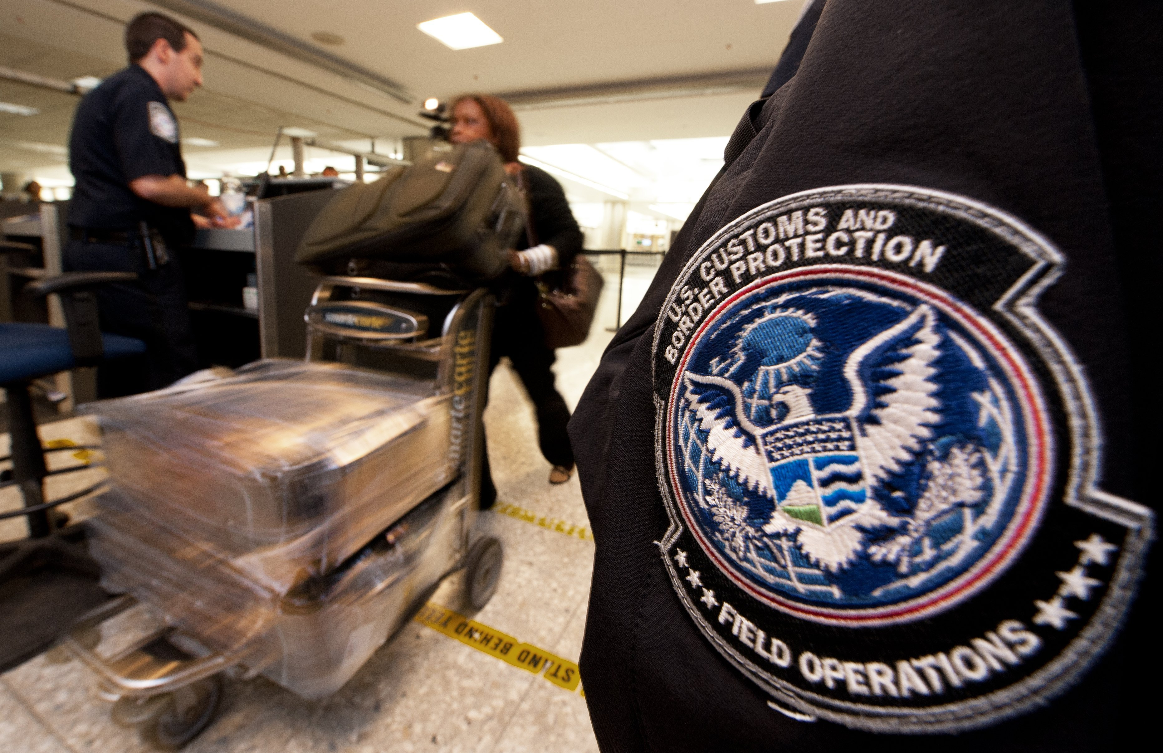 US Customs computers coming back online after outage leads to long lines