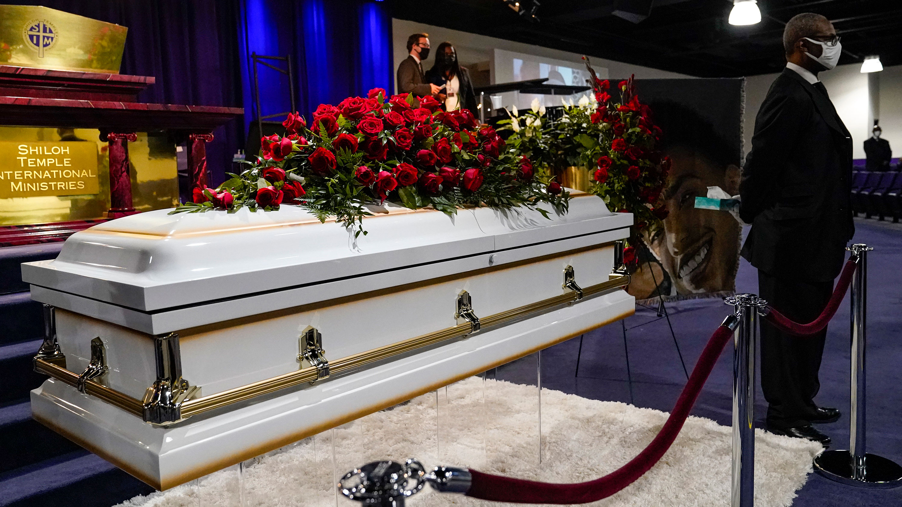 Daunte Wright's mother says she 'never imagined' she'd be standing there at his funeral