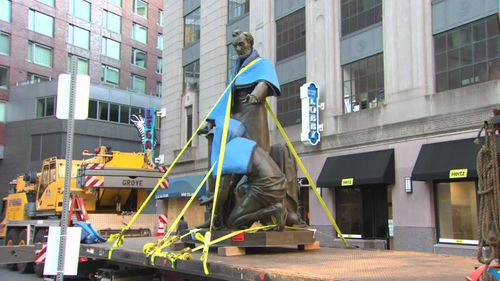 Image for Boston removes statue of former slave kneeling before President Lincoln after 141 years