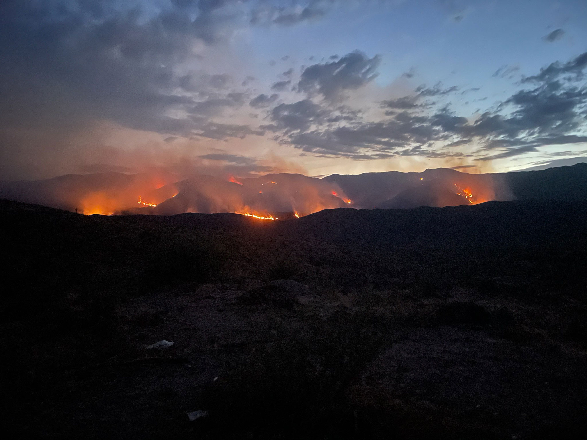 Evacuation orders issued in parts of Arizona as Tiger Fire continues to burn