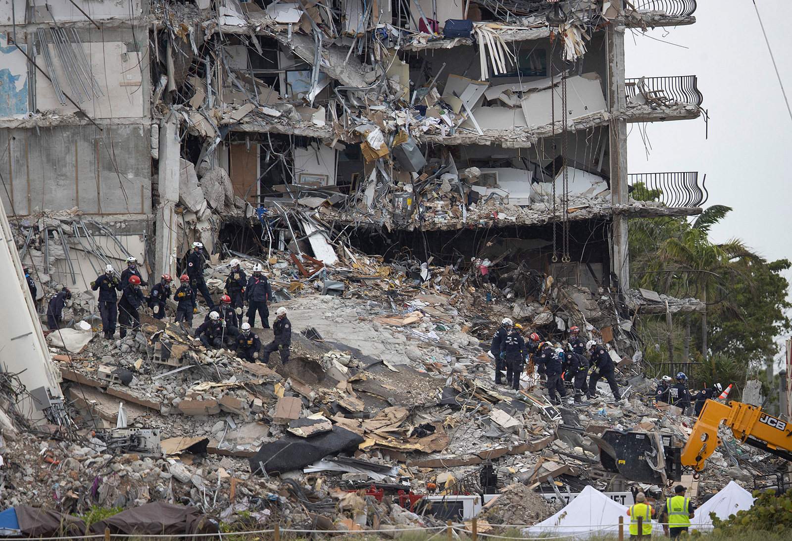 Letter sent months before deadly Florida collapse warned damage to condo building was accelerating