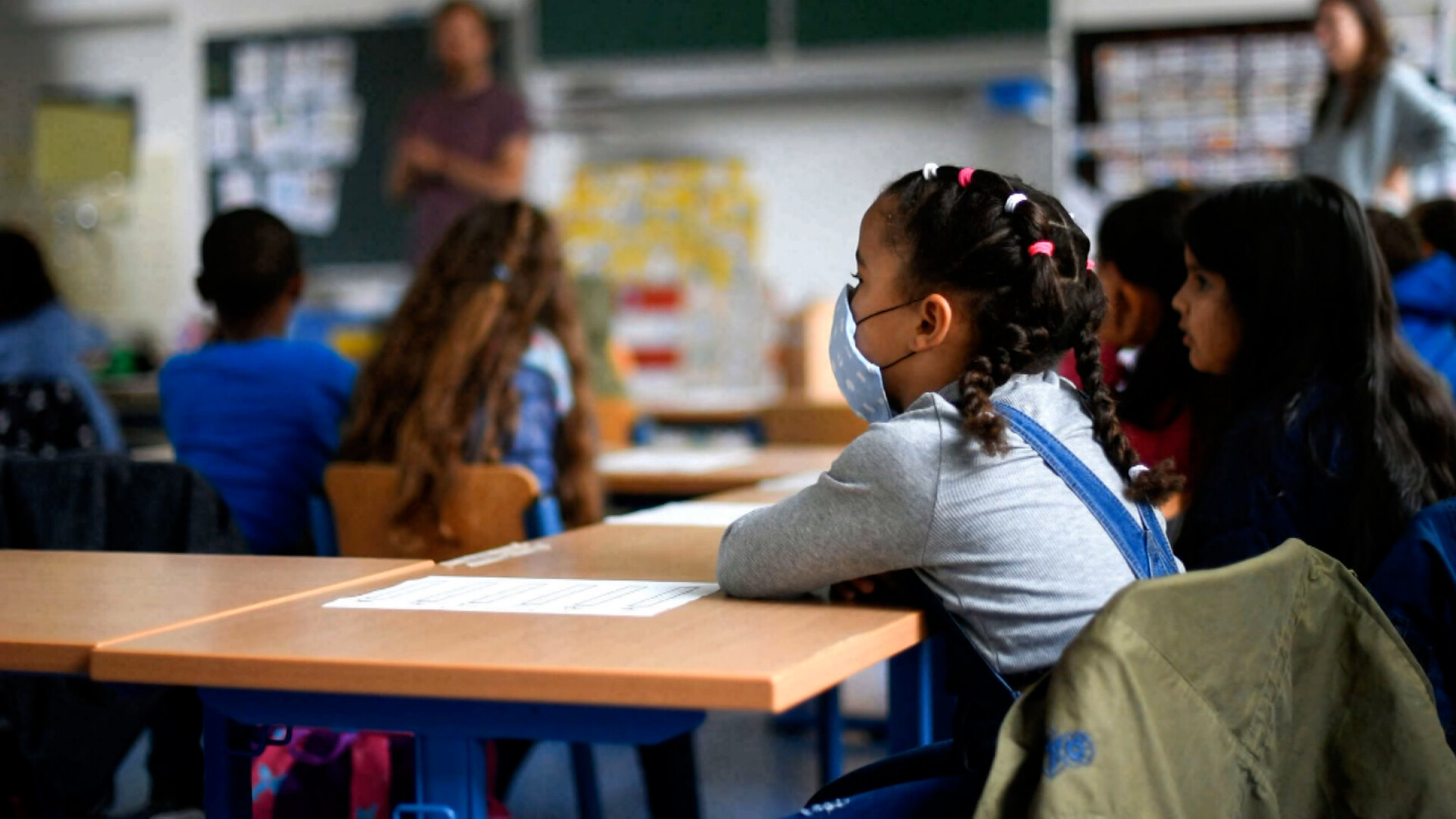 Florida's executive order does not actually ban mask mandates in schools, legal experts say