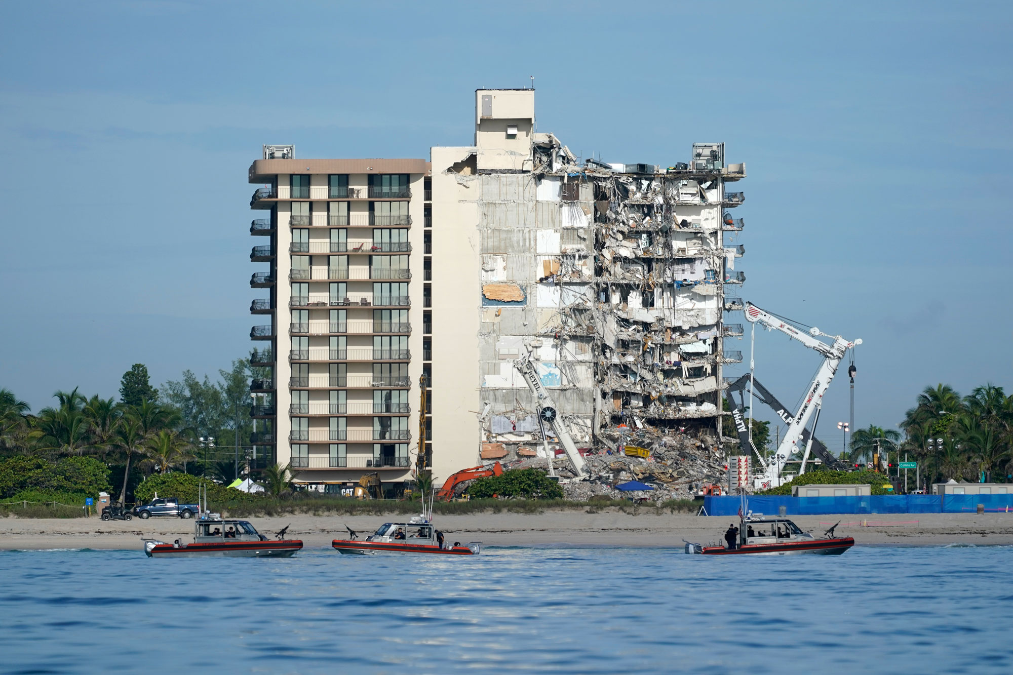 Search and rescue efforts at collapsed Surfside condo paused for demolition preparation