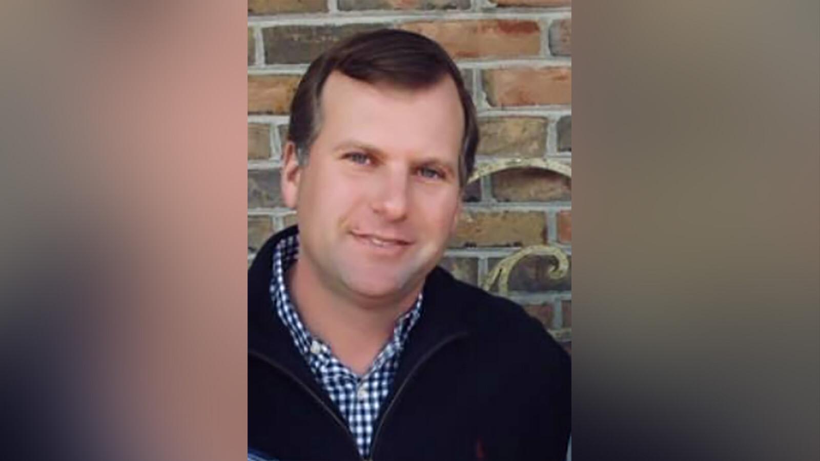 Funeral is held for slain golf pro Gene Siller