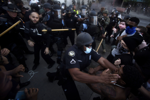 Image for Protesters break curfew on another night of fury and frustrations over George Floyd's killing