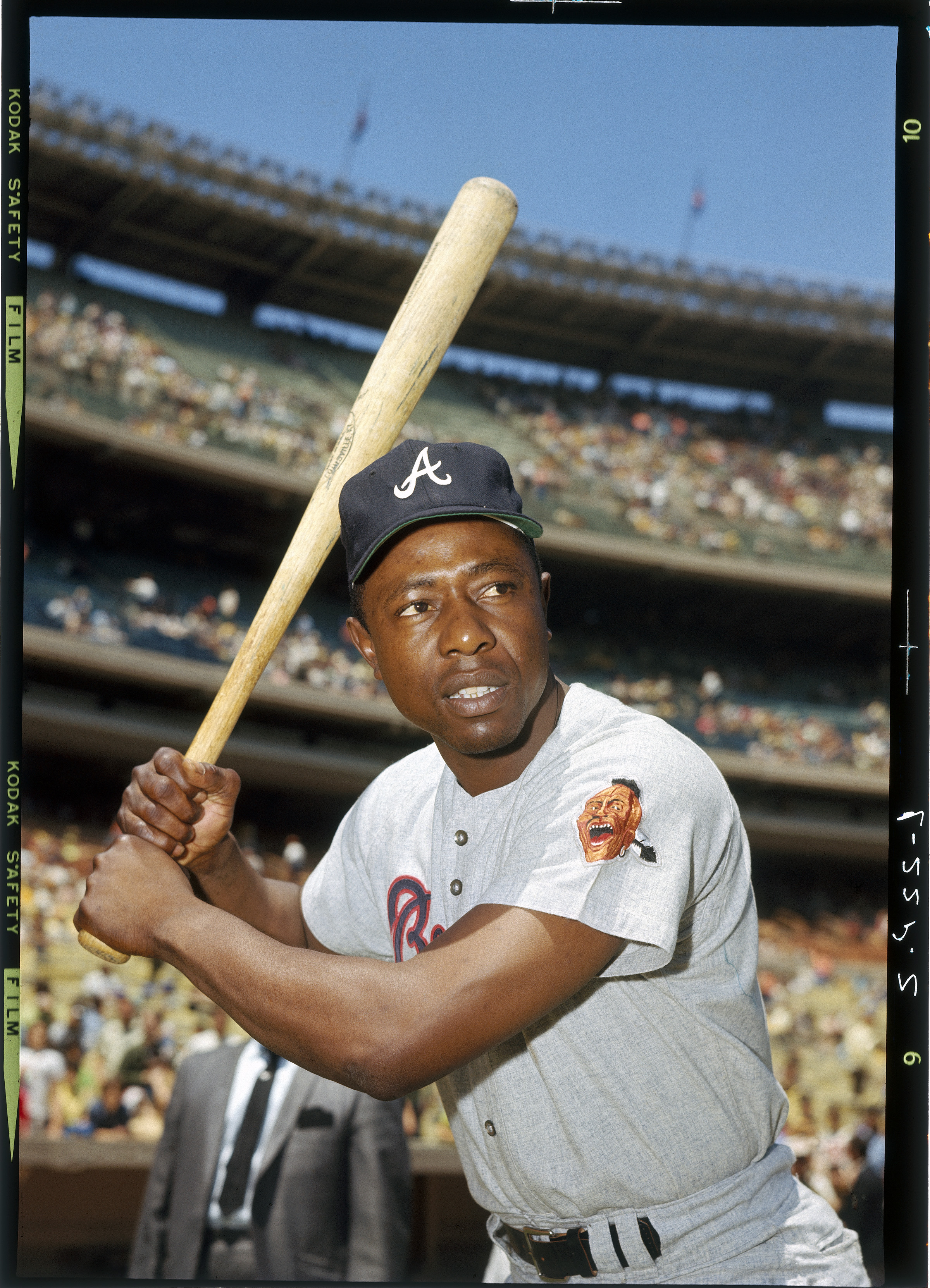 Hank Aaron, baseball legend and former home run king, dies at 86