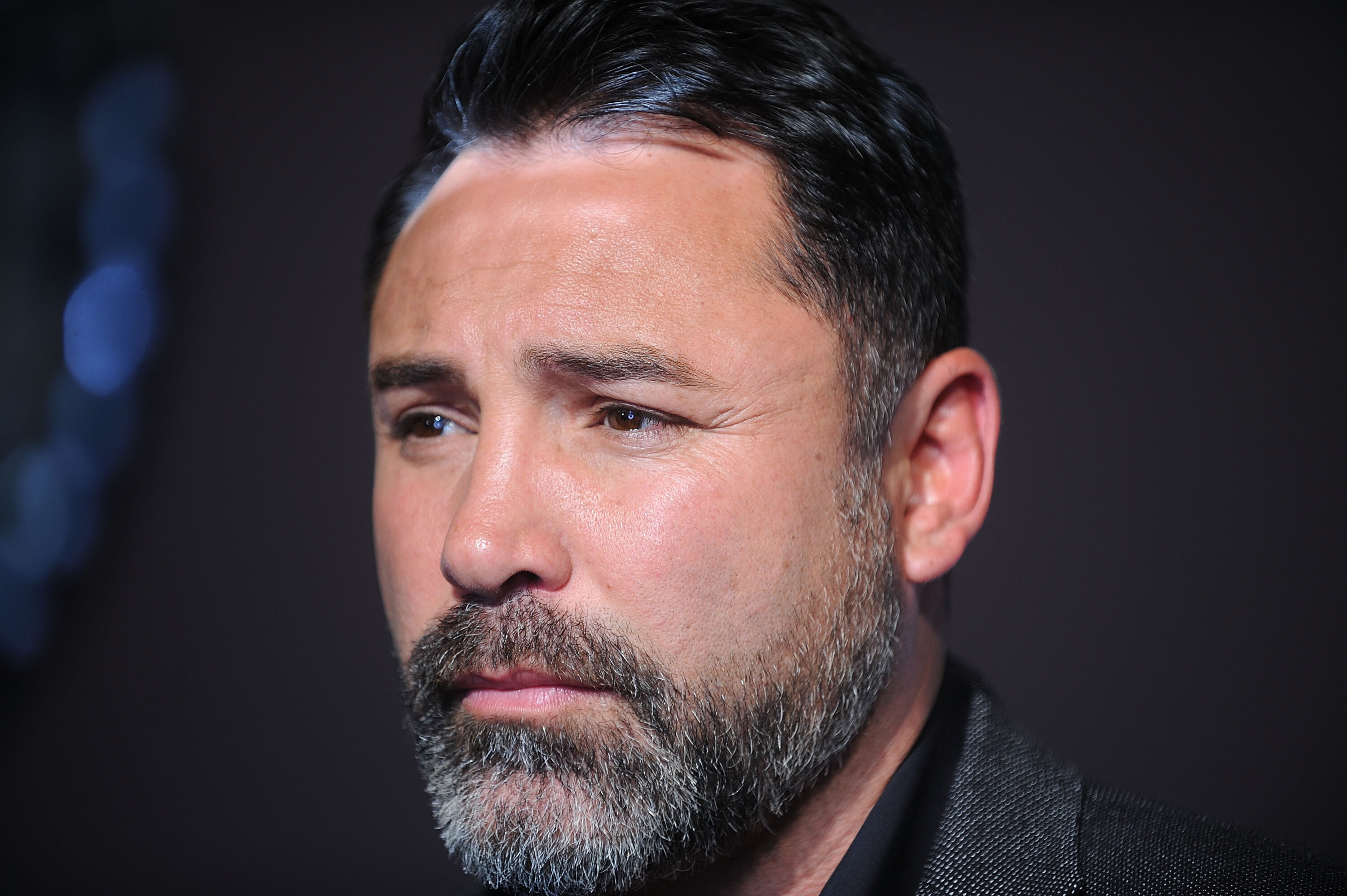 Oscar De La Hoya hospitalized with Covid-19 days before his return to the boxing ring