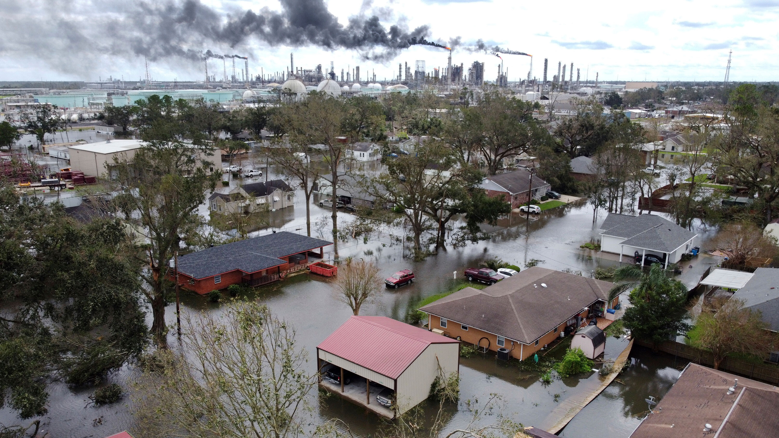 Hurricanes, wildfires, and drought: US finds itself battling climate disasters on several fronts