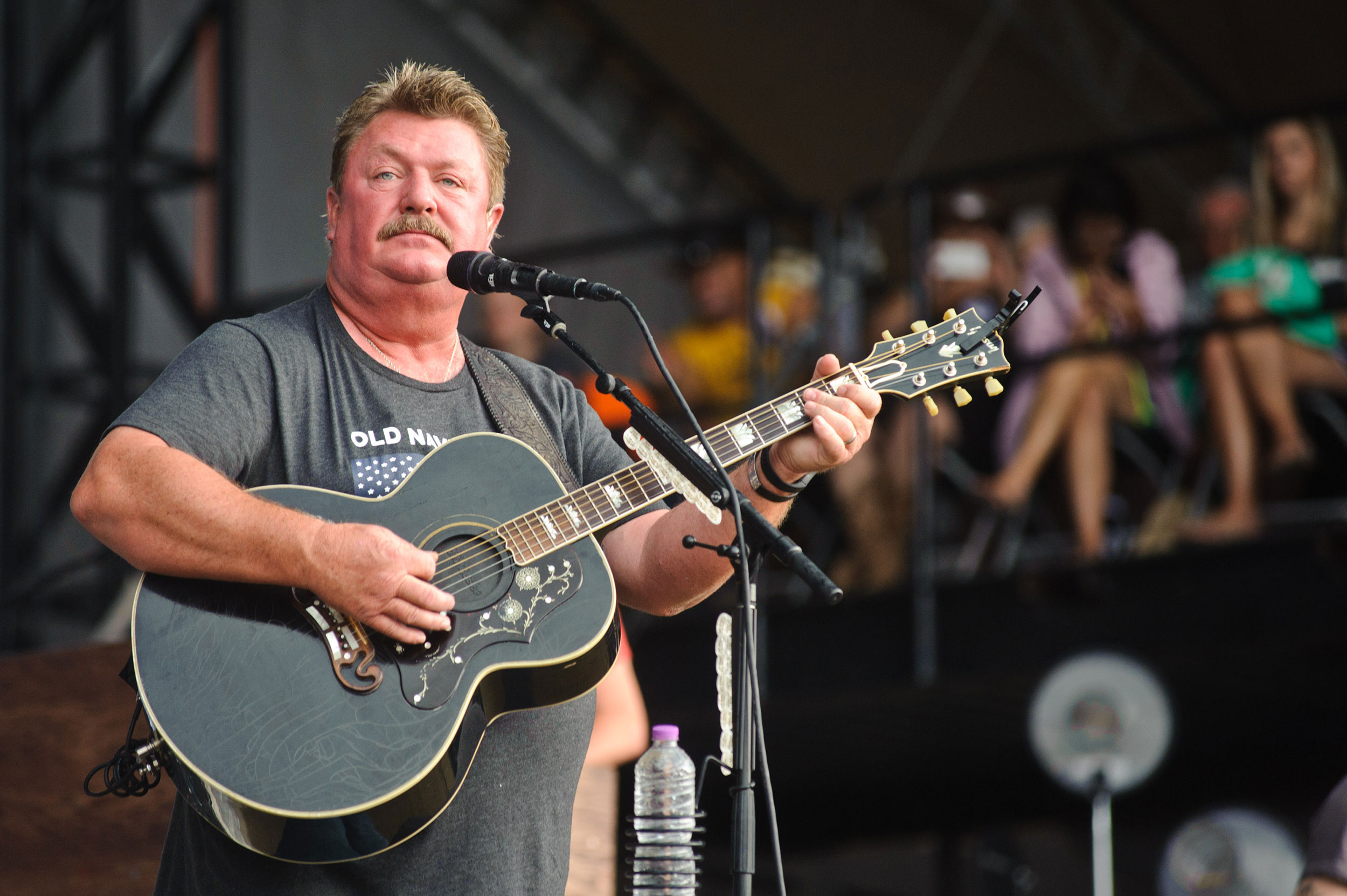 Country music star Joe Diffie dies of complications from coronavirus