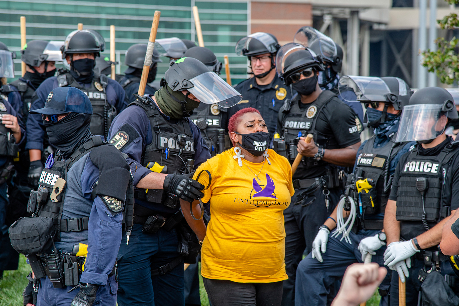 At Least 64 Arrested In Louisville As Protesters Demand Answers In Breonna Taylor Case Kfru Columbia