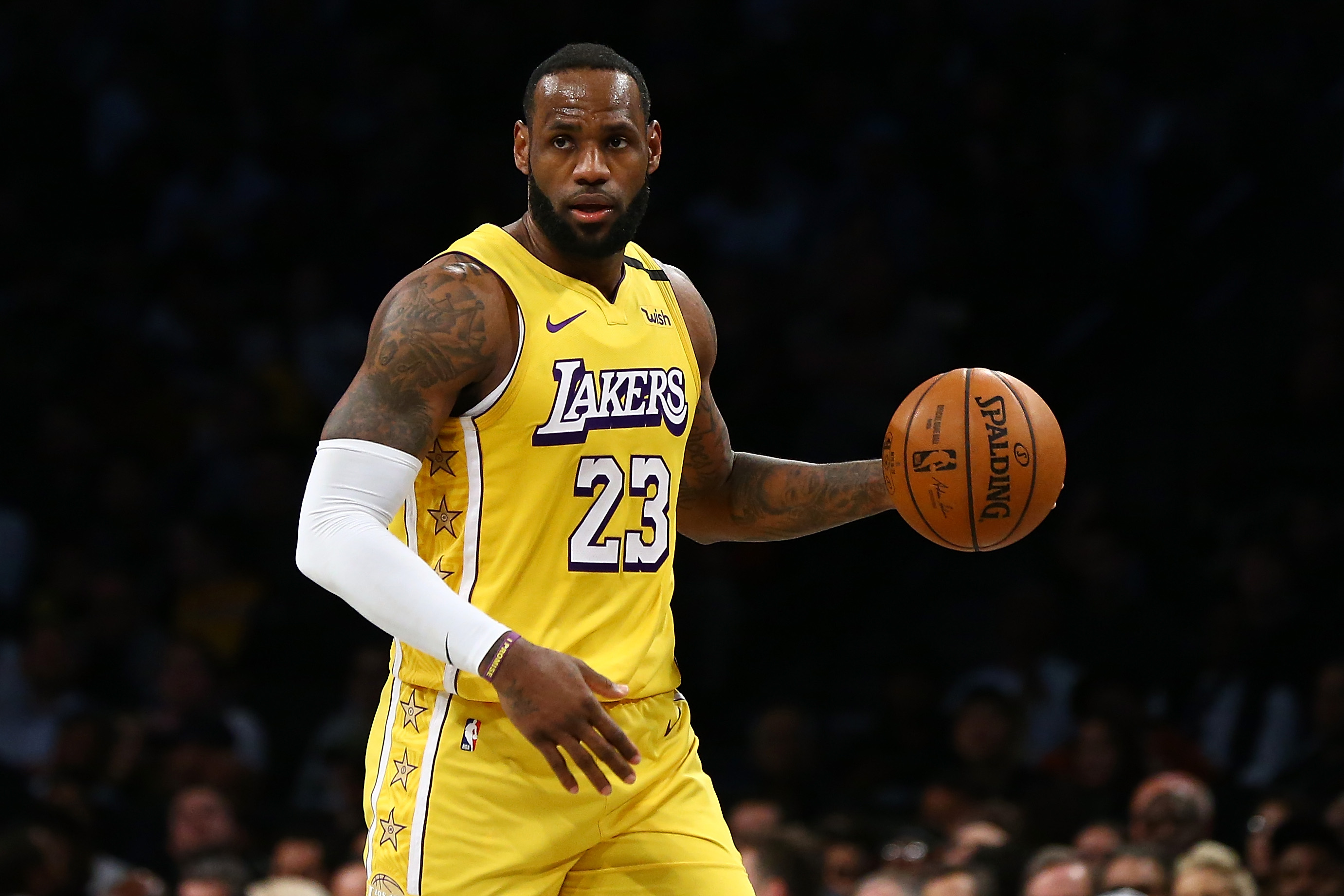 LeBron James criticizes MLB commissioner's handling of the Astros' sign-stealing scandal