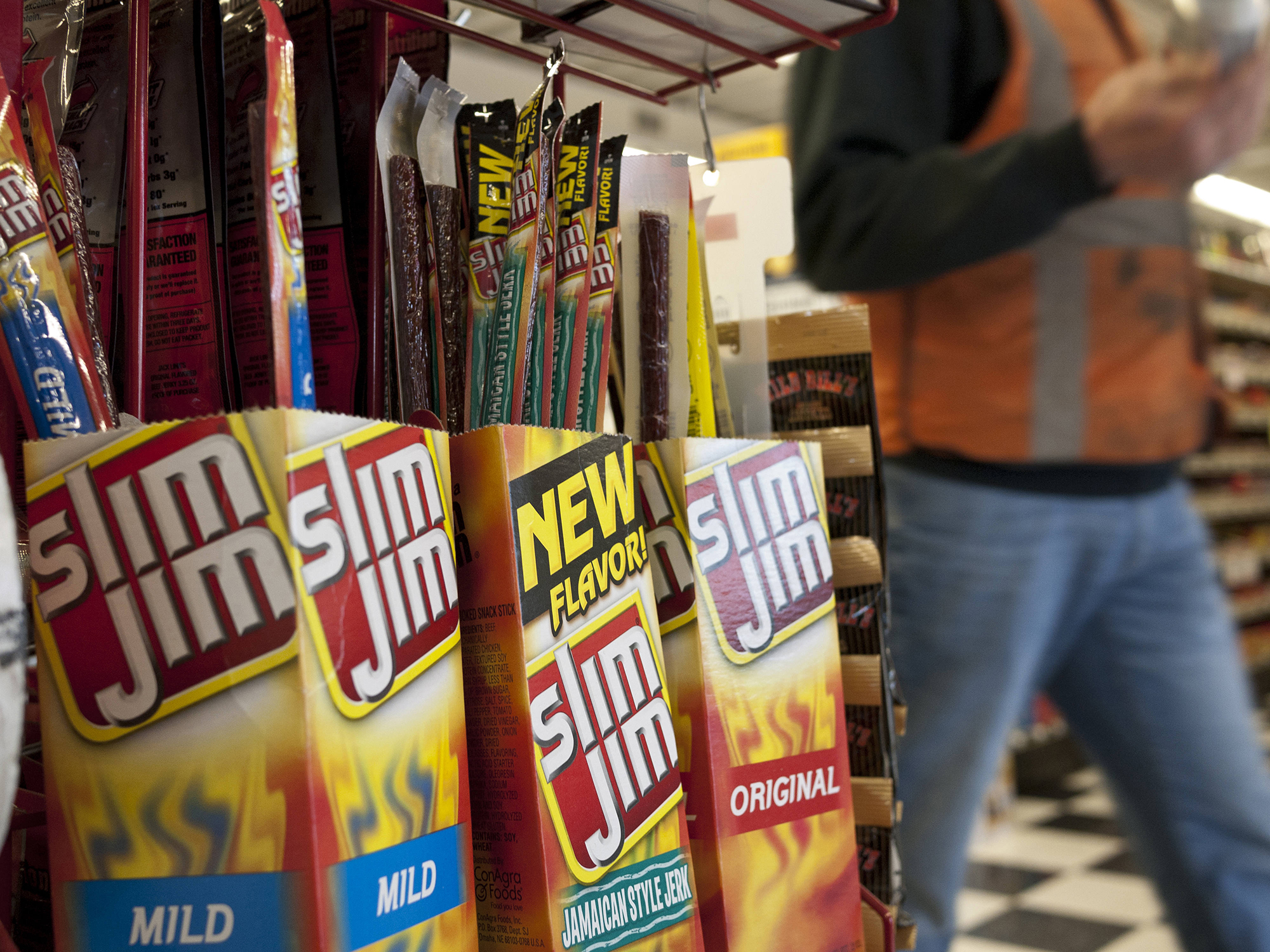 Lon Adams, who developed the recipe for Slim Jim jerky, dies of Covid-19