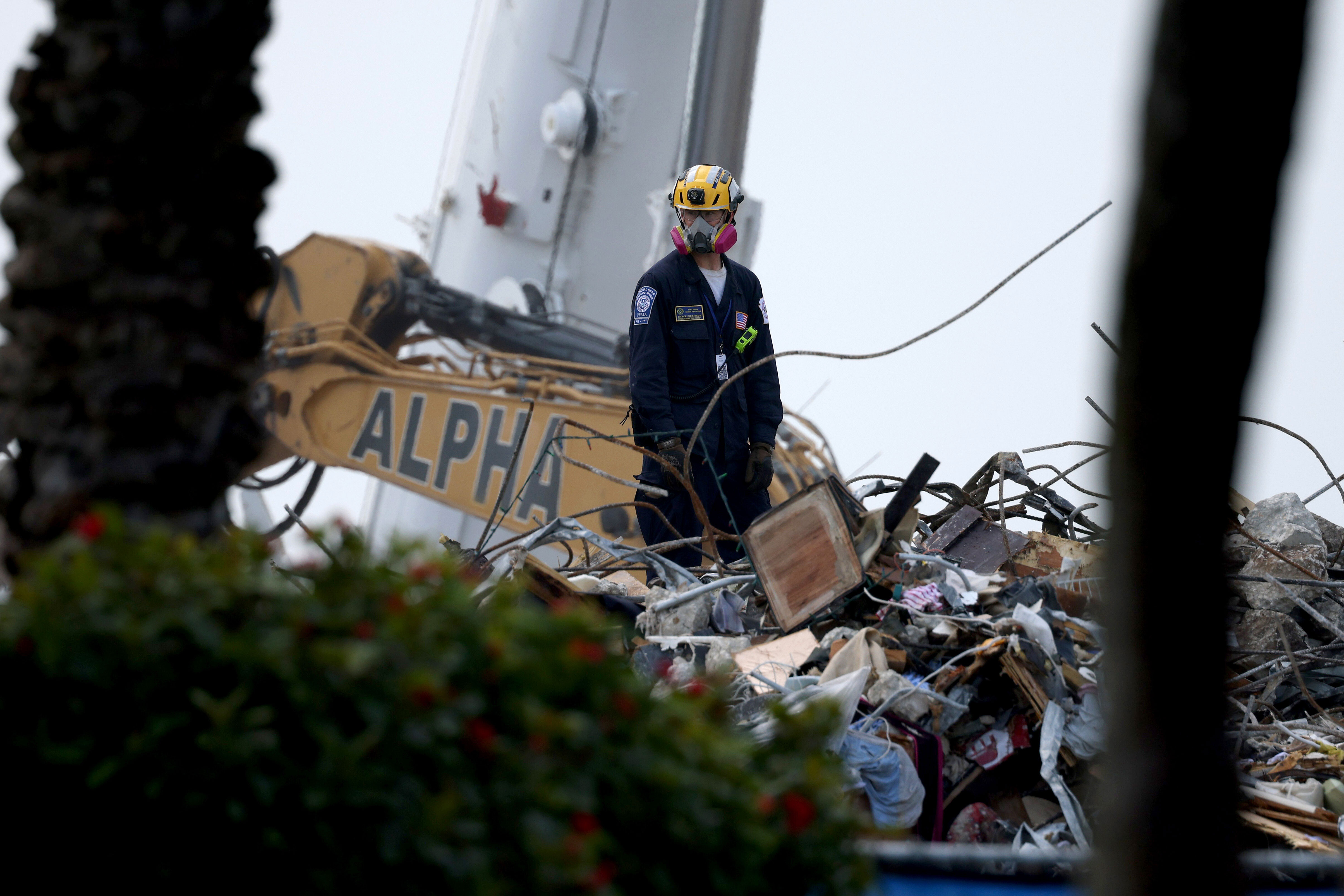 Death toll rises to 90 in Surfside condo collapse