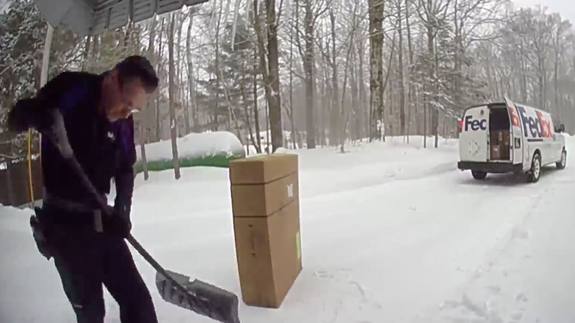 This FedEx driver delivered more than a customer's package. He shoveled snow off the stoop