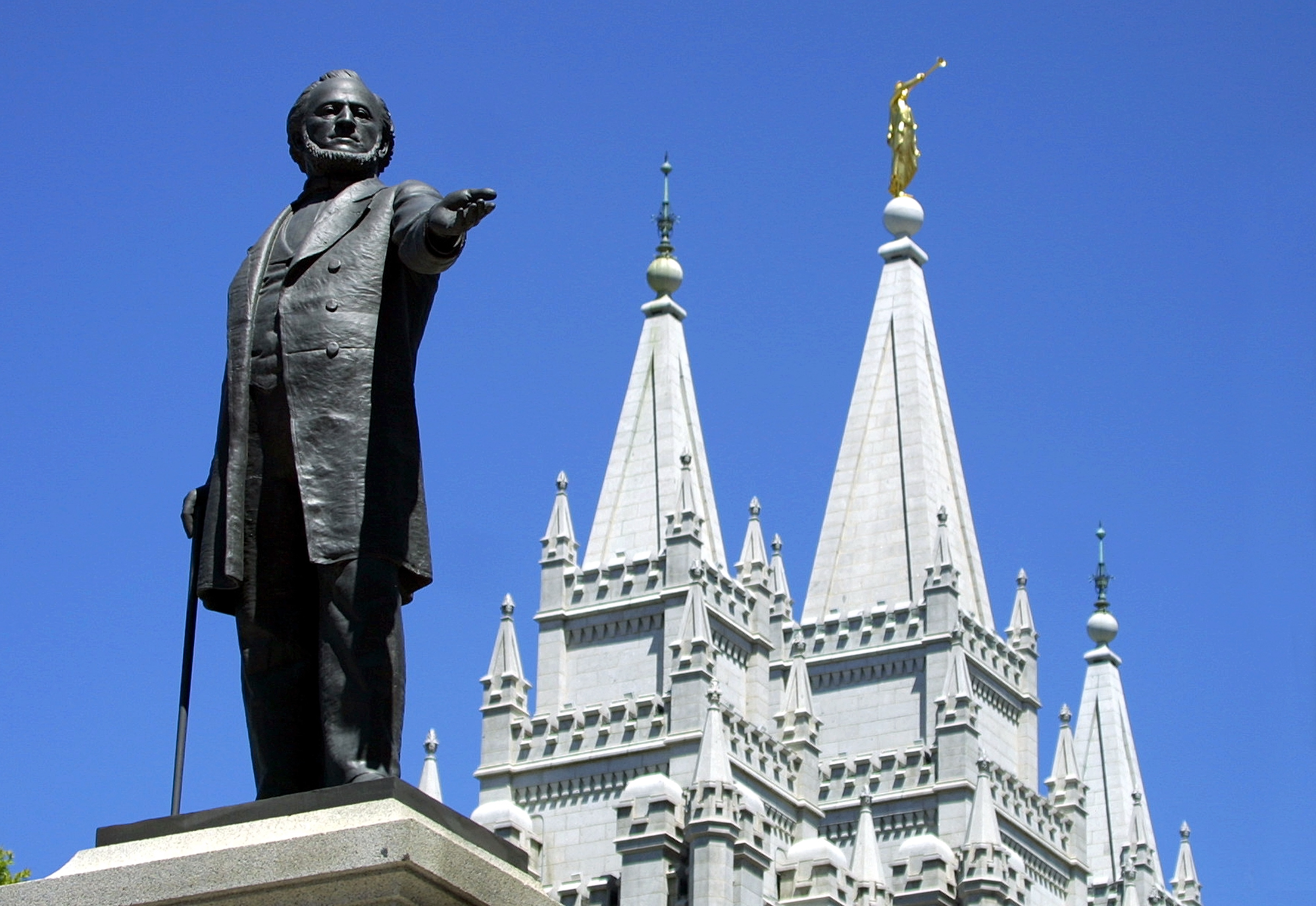 Mormon leaders ask church members to wear face masks in public to defend against coronavirus