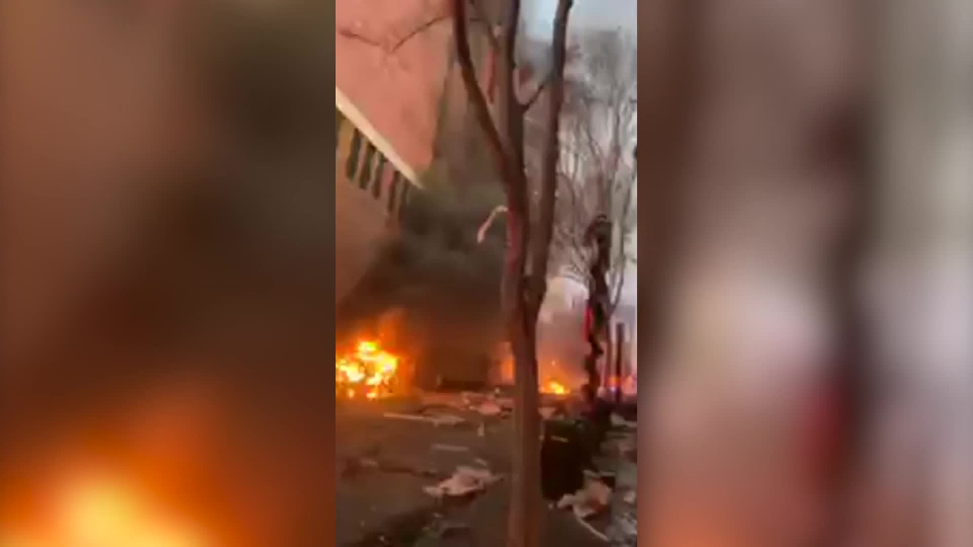 'This vehicle will explode in 15 minutes.' Witnesses describe surviving the Nashville explosion