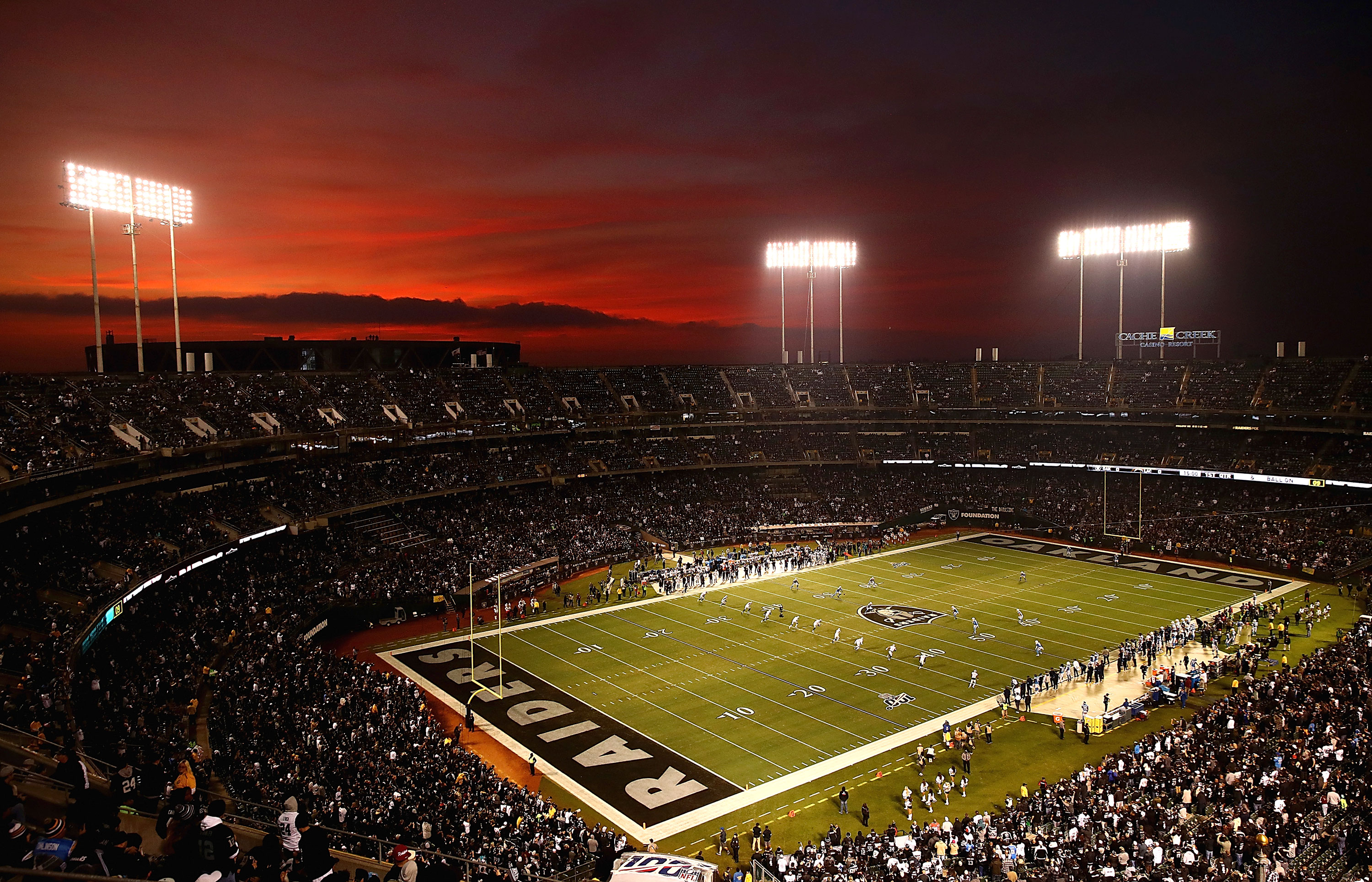 Raiders to play final game in Oakland Coliseum