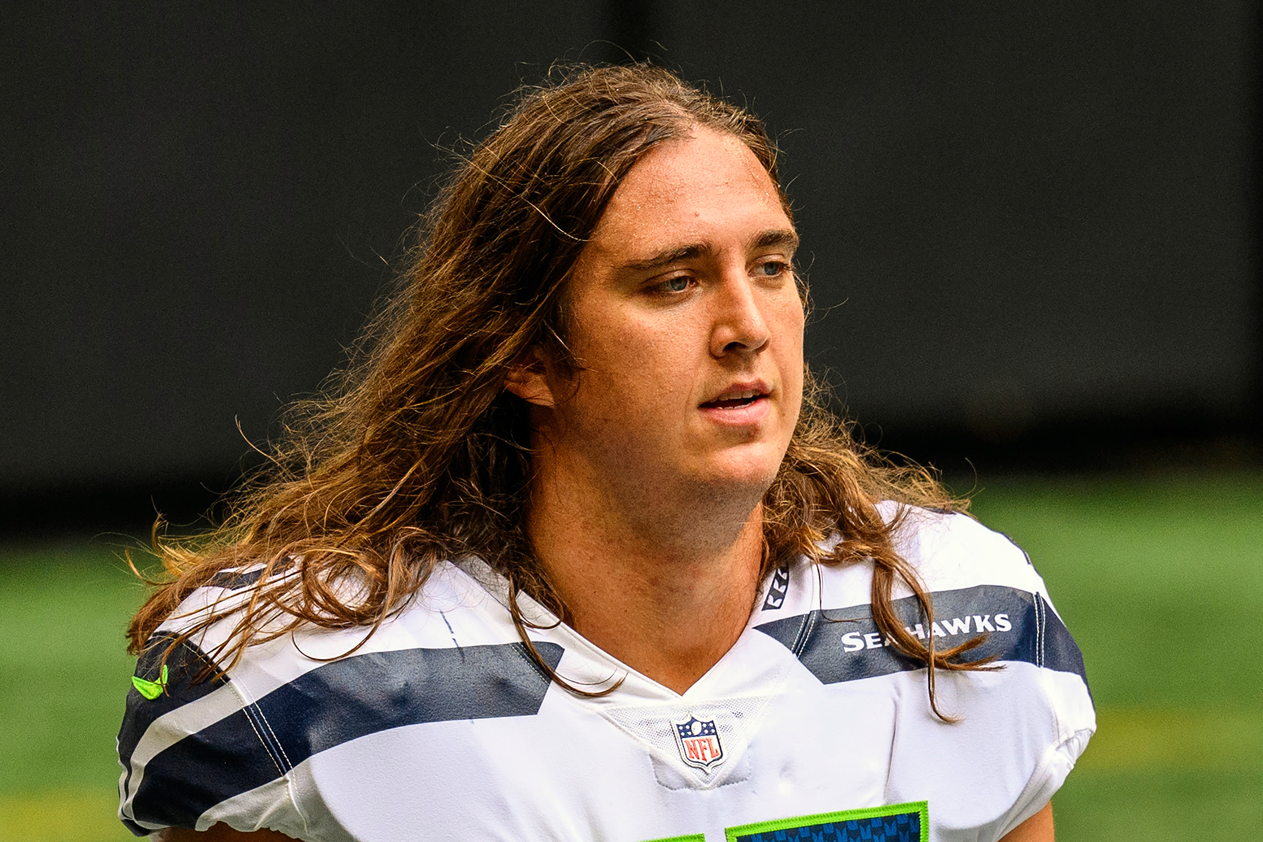 Offensive lineman Chad Wheeler arrested on suspicion of felony domestic violence, waived by Seattle Seahawks