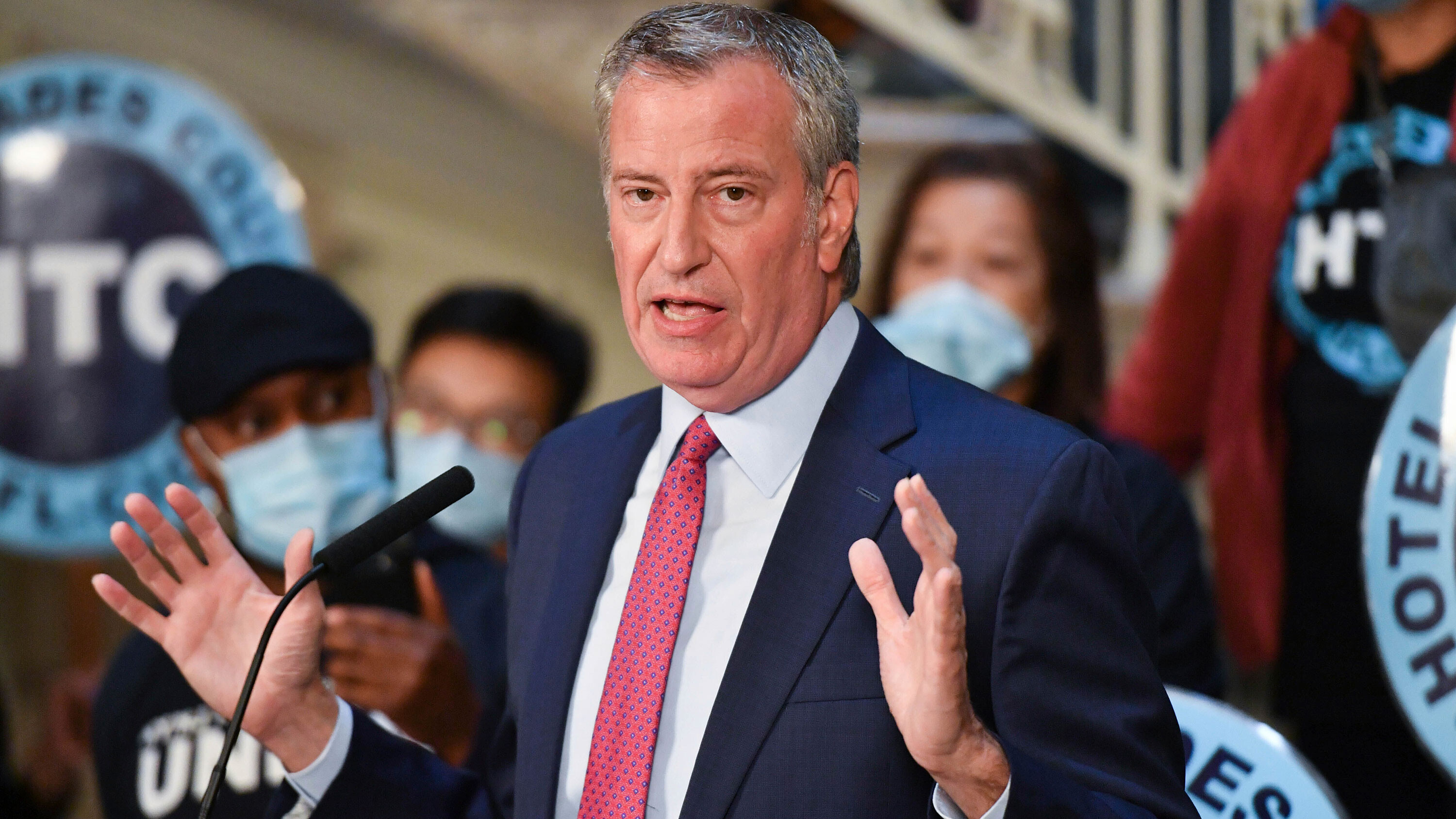 New York City vaccine mandate extends to all city workers and includes a new $500 bonus, mayor says