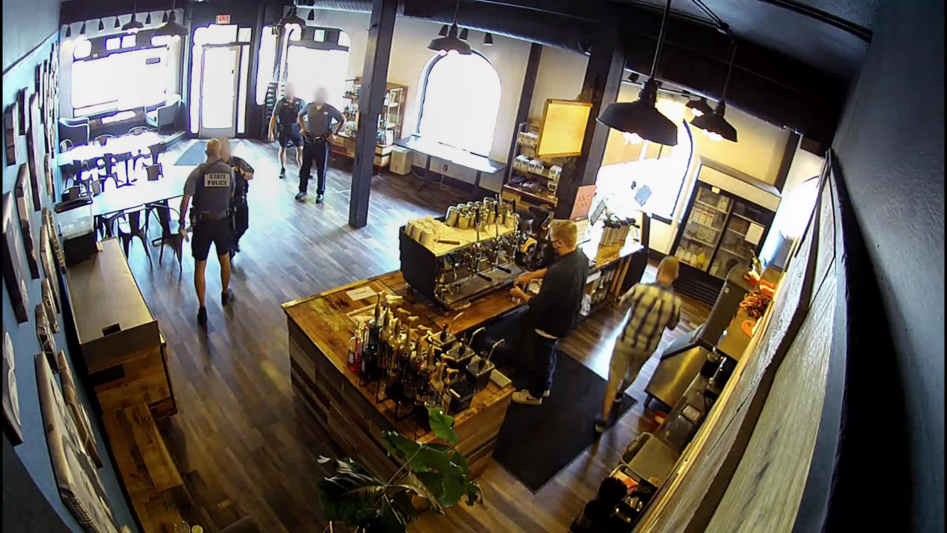 Oregon state trooper put on leave after defying mask mandate in coffee shop