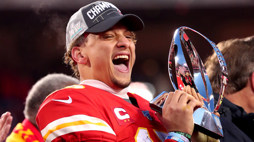 Image for Chiefs quarterback Patrick Mahomes signs most lucrative sports deal in history, agent says