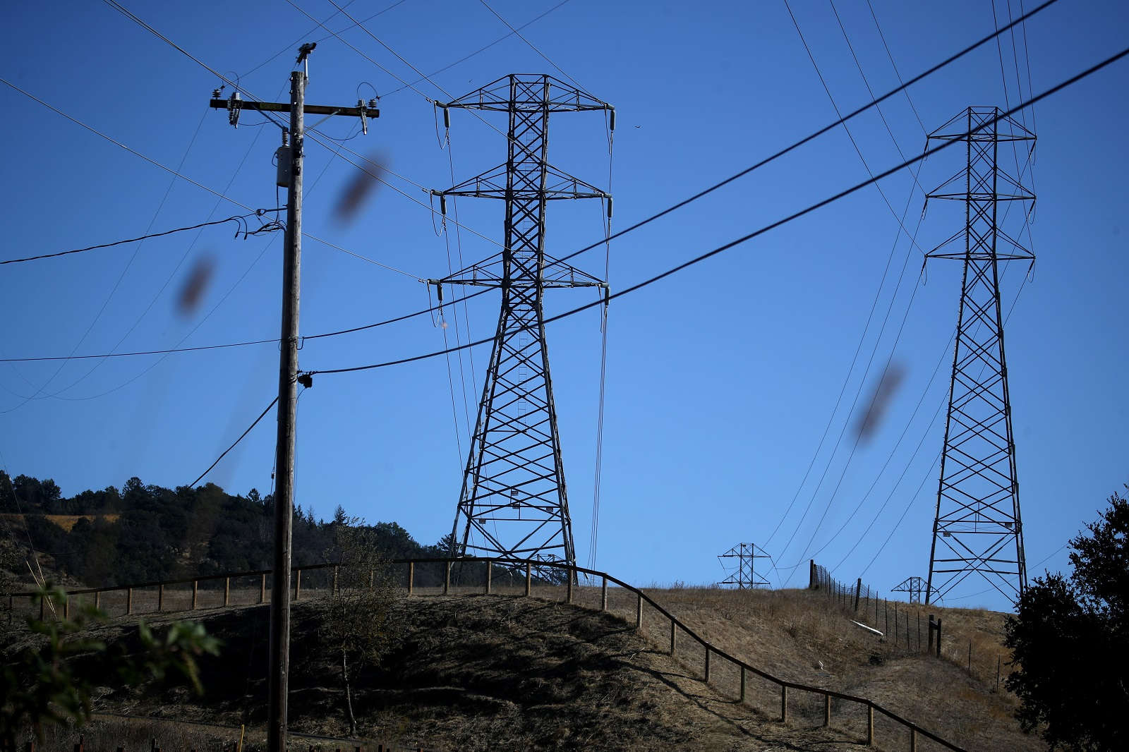 California utility PG&E to pay $13.5 billion to settle claims from wildfire victims