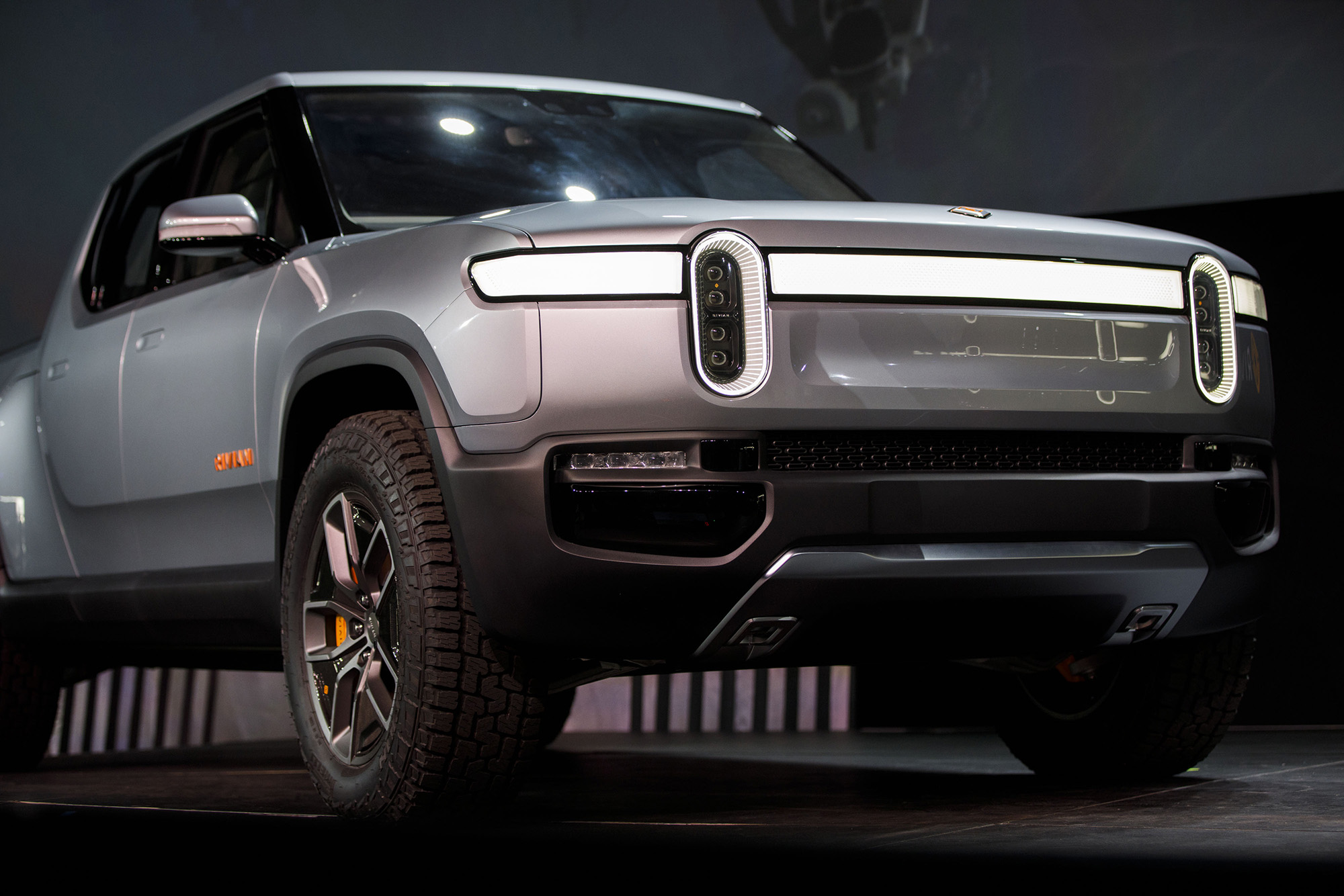 Rivian raises another $2.5 billion as it prepares to launch its electric pickup