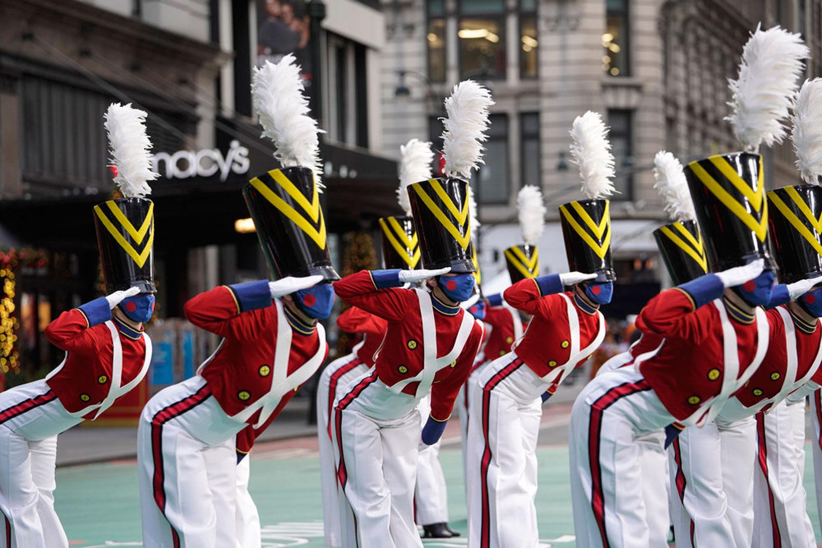Rockettes perform at Thanksgiving Parade while wearing masks
