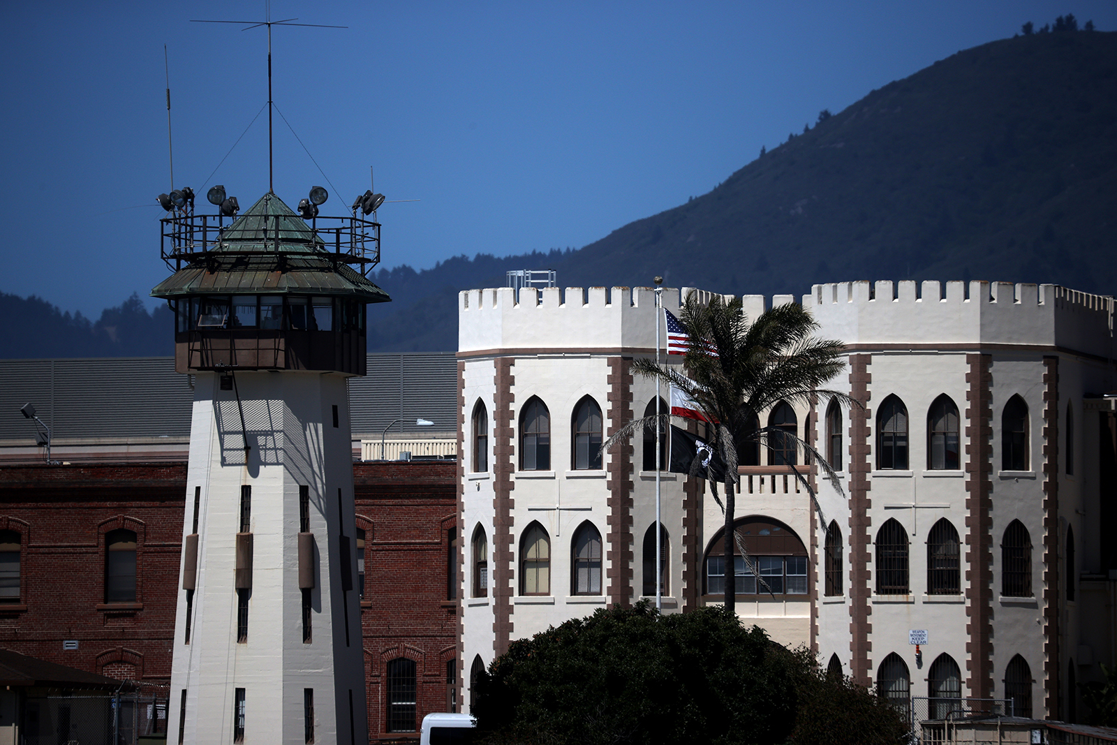 2 more death row inmates at San Quentin die from coronavirus complications
