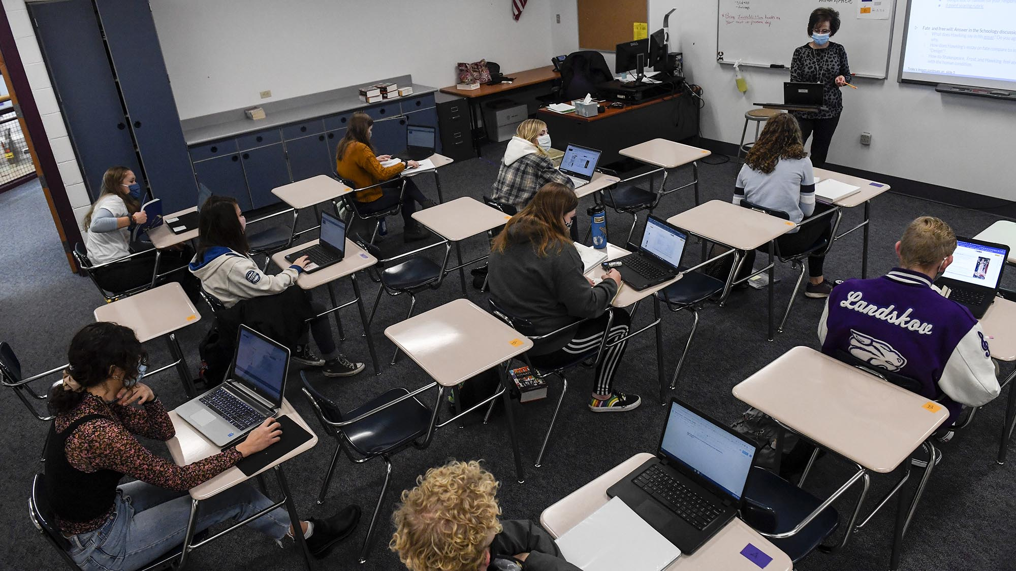 Where the top US school districts stand with virtual vs. in-person learning