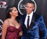 Steph Curry defends wife Ayesha after she was made fun of for dancing