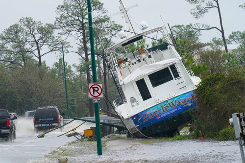 Image for Gulf Coast races to restore power in wake of Sally and braces for more flooding