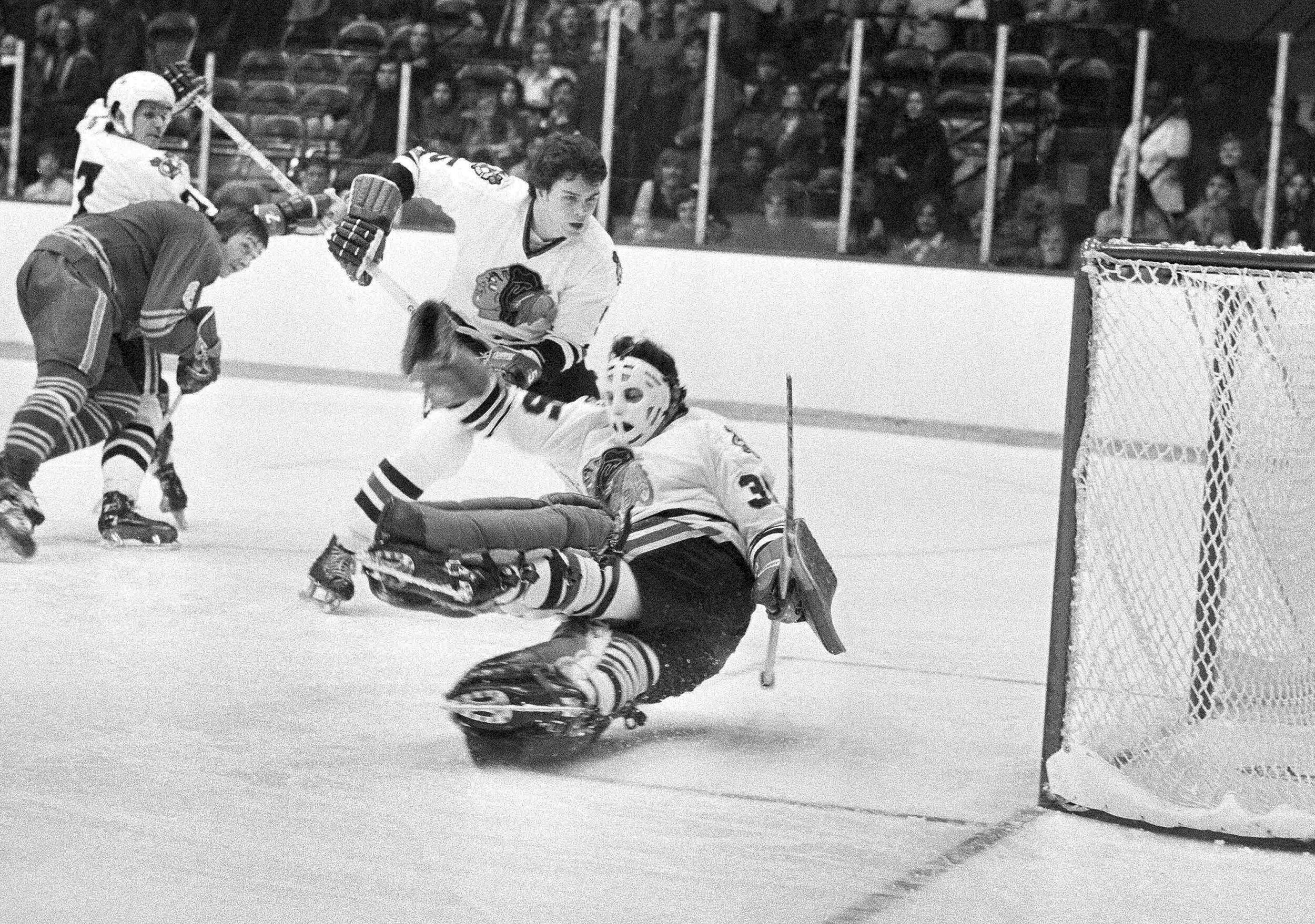Tony Esposito, Hall of Fame NHL goaltender, dead at 78