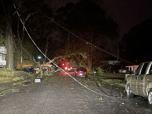 Image for Severe storms and tornadoes hit the South, killing at least 6 and leaving heavy destruction