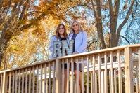 Inseparable twin sisters start nursing career together at same hospital during pandemic
