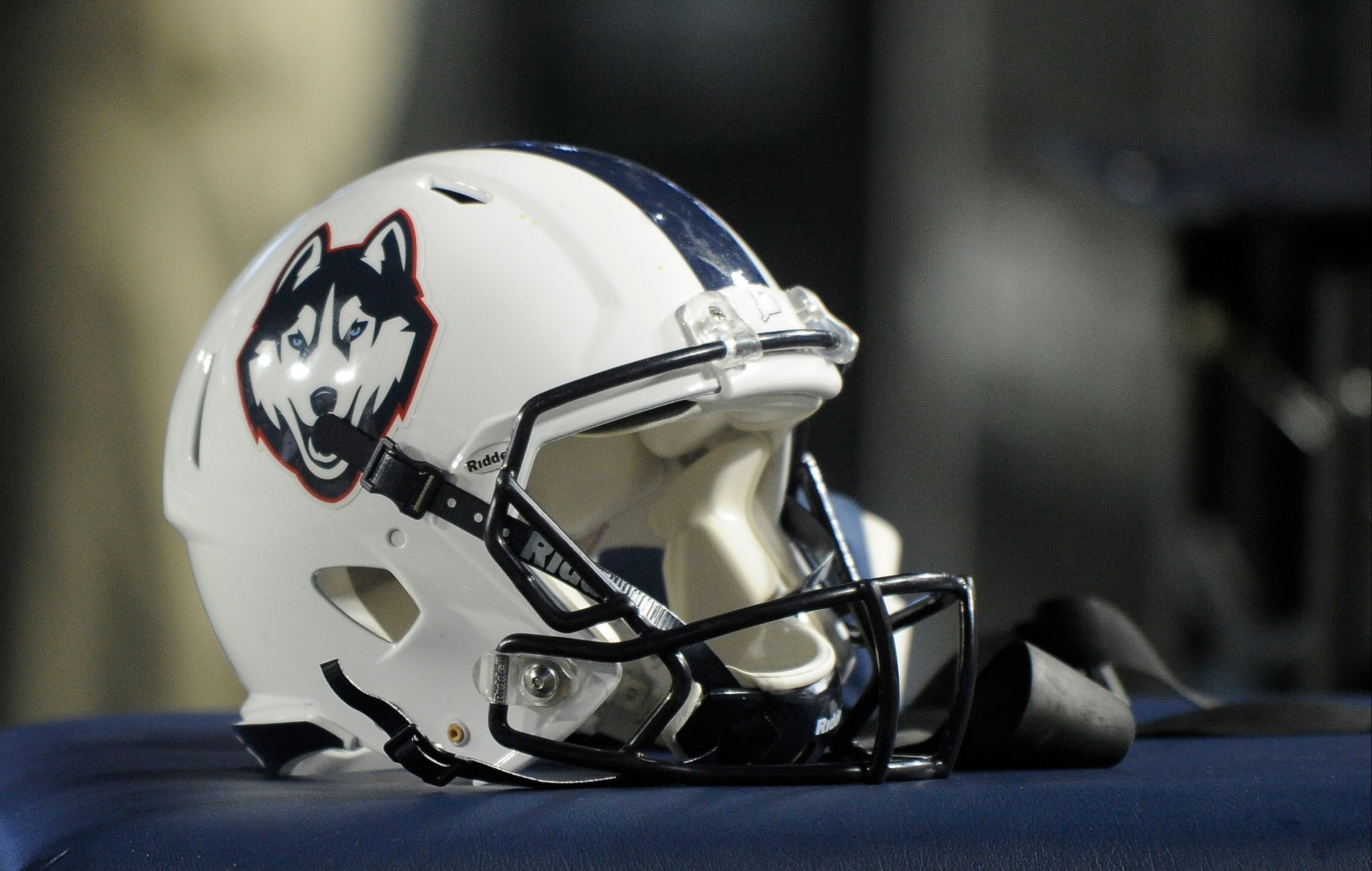 UConn becomes first school in college football's top division to cancel 2020 season