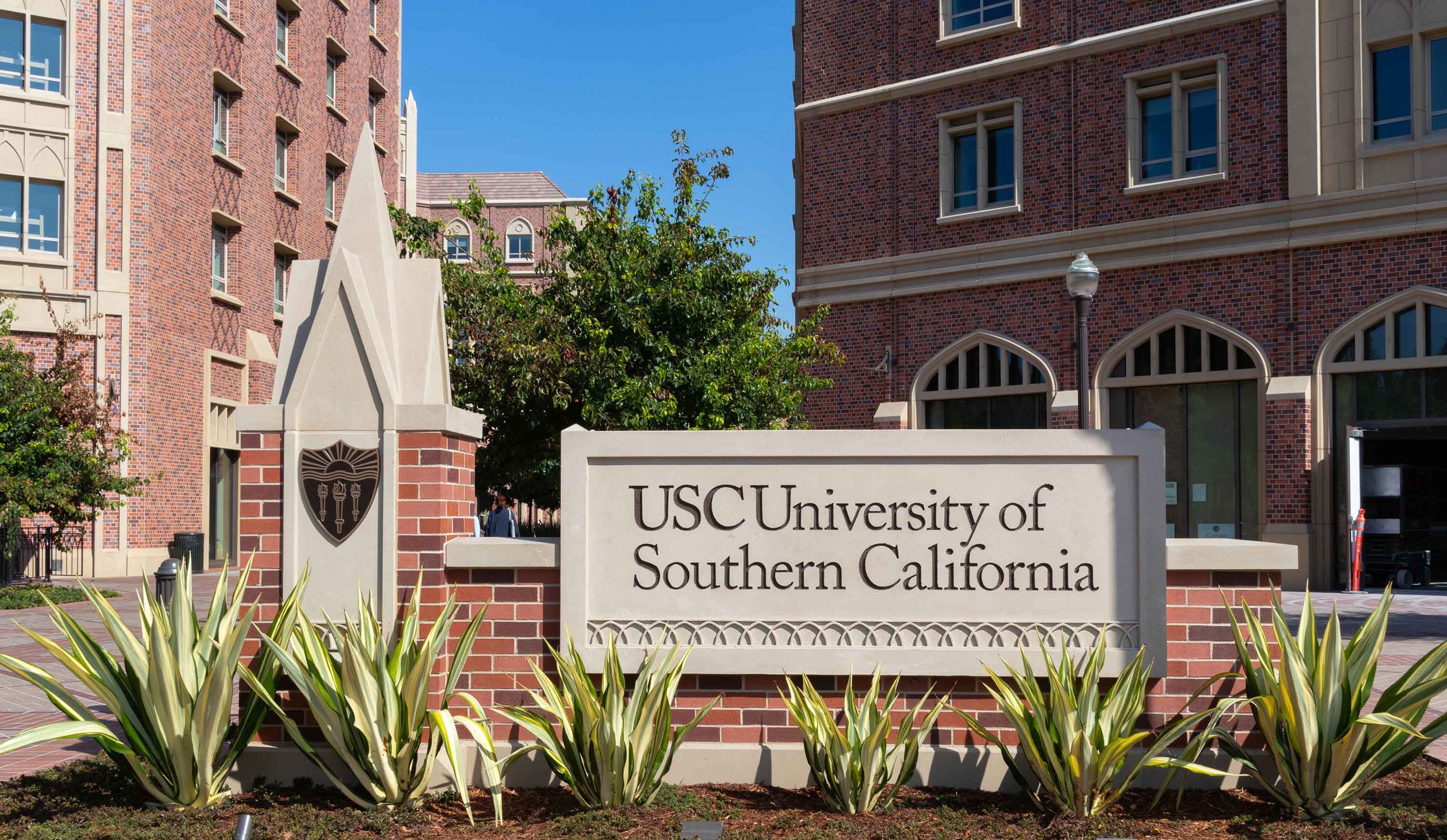 USC will award $4,000 scholarships per semester to students who stay at home