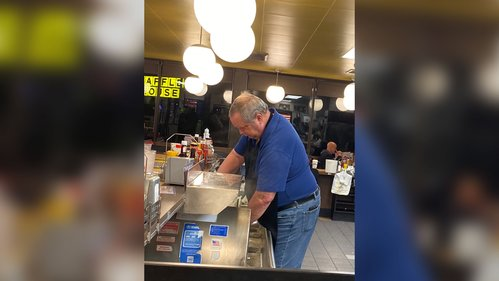 Image for When a Waffle House was short on staff, customers jumped behind the counter to help out
