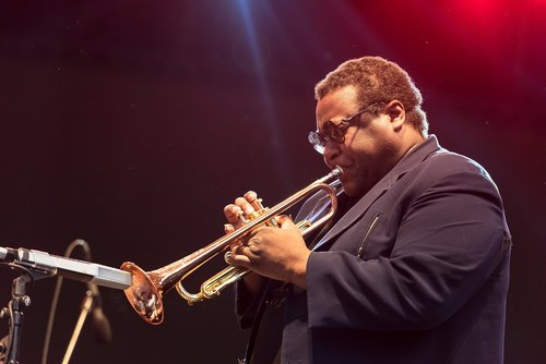 Image for Legendary jazz trumpeter Wallace Roney dies of complications from coronavirus