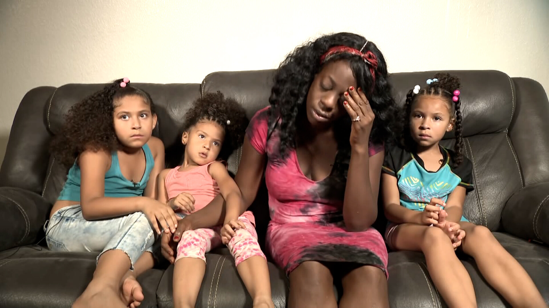 More than $170,000 raised in 24 hours for mother and three kids facing eviction