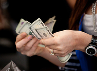 New York on track to ban cashless stores and restaurants