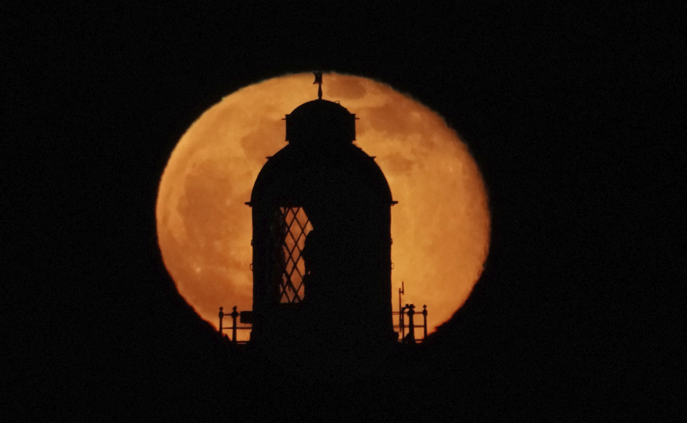 See the 'Worm' supermoon glow in the sky this weekend