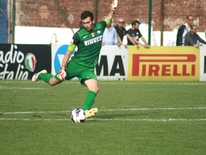 Raffaele D. action photo
