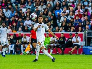 Leonardo A. action photo