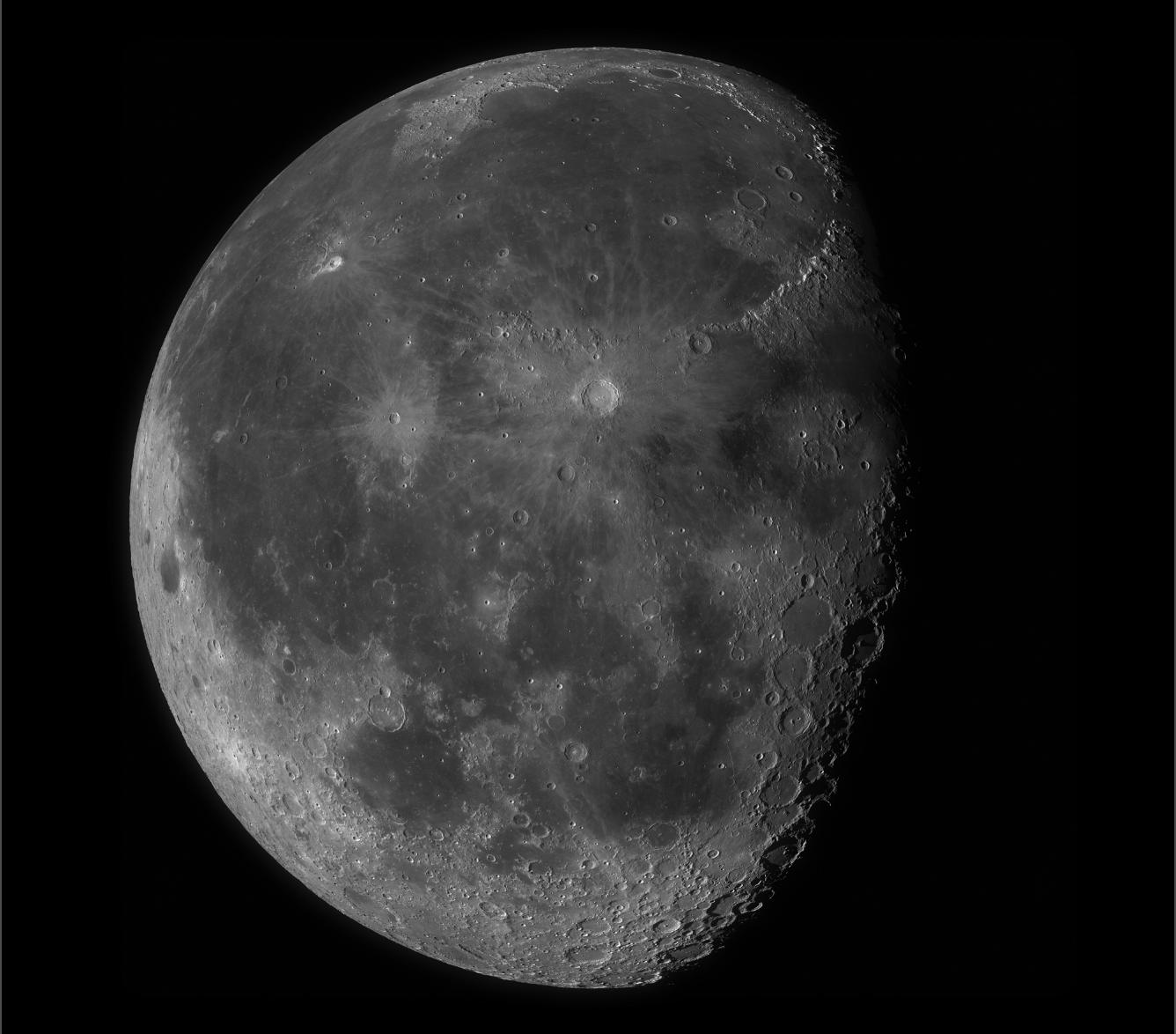 The 100-megapixel Moon