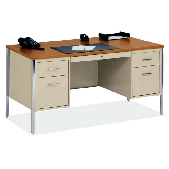 500 Series Steel Desks